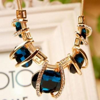 Malloom Fashion Crystal Pendant Statement