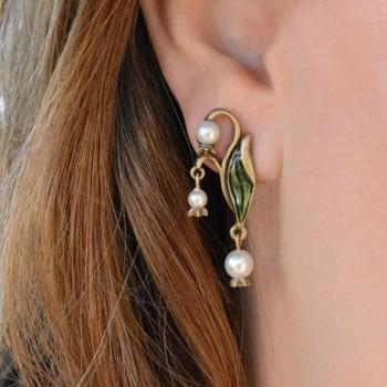 Vintage Valley Wedding Anniversary Earrings